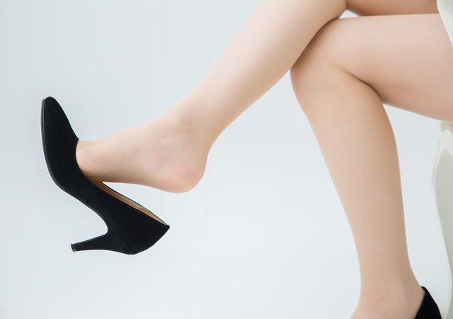 ハイヒールと女性の足